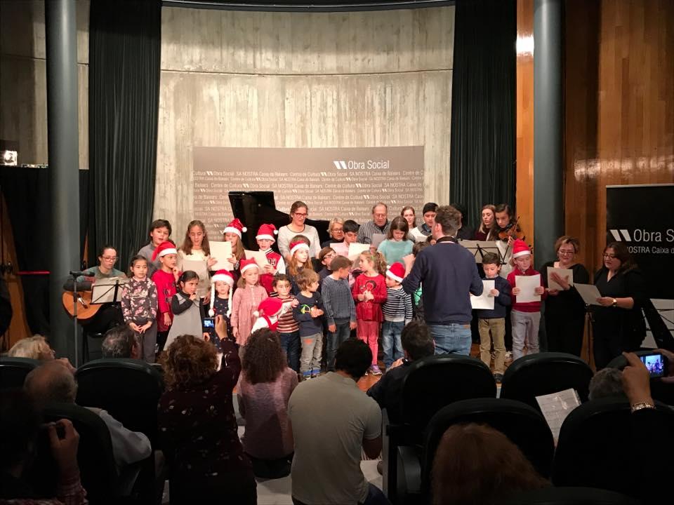 final del concierto de navidad de la escuela de música renacimiento en palma