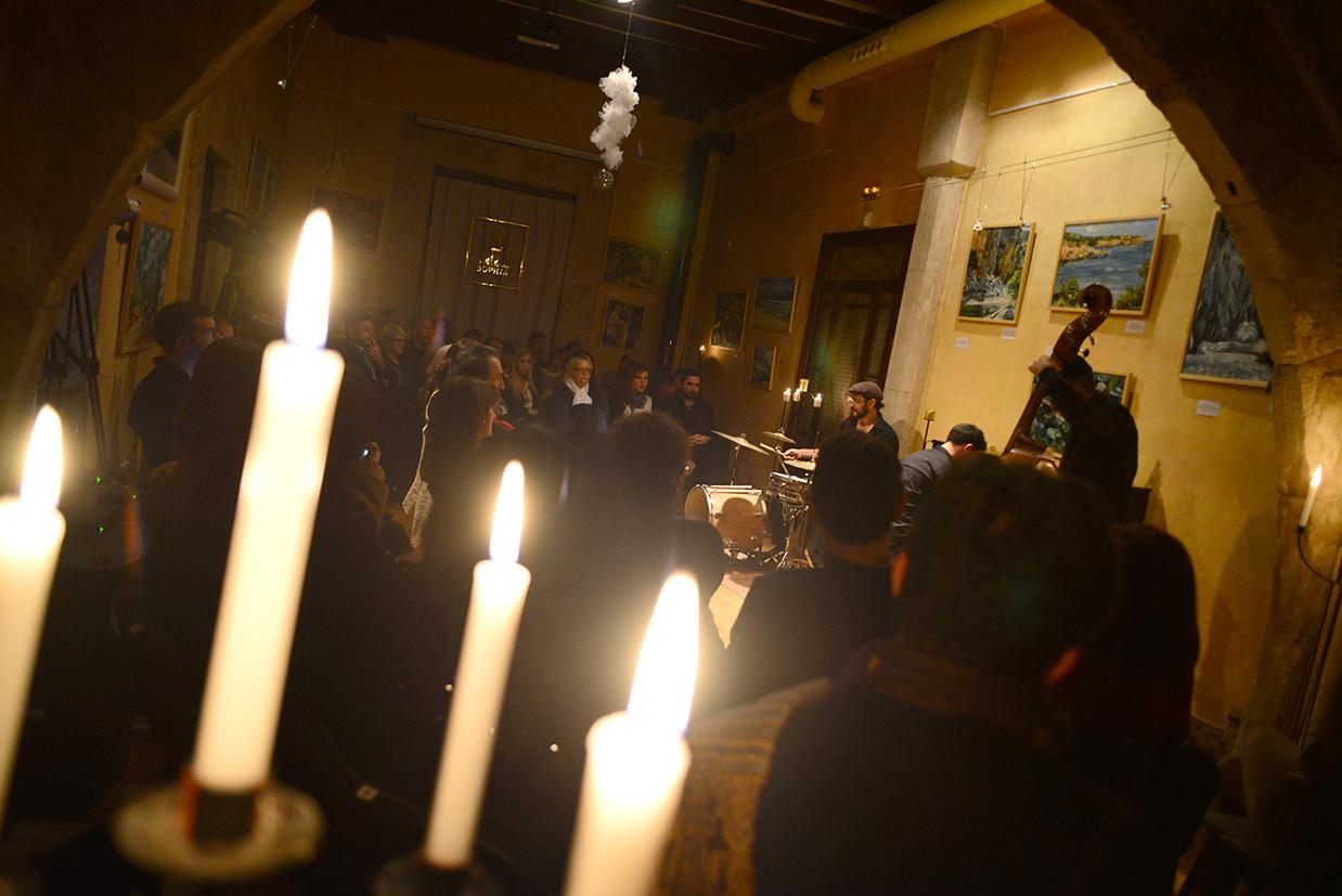 Fotografía artística del concierto de la Escuela de Música Renacimiento que realizó en Mallorca